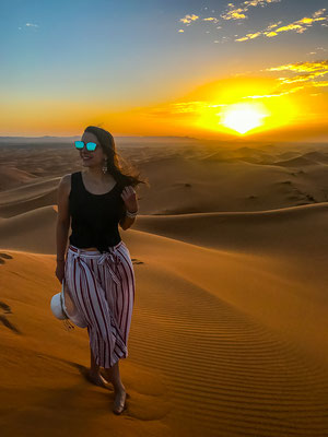 Sonnenuntergang in der Wüste bei Merzouga