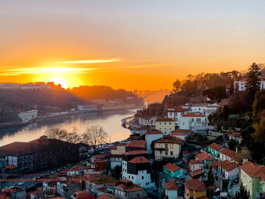 Porto Altstadt Sonnenuntergang