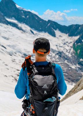 Ausrüstung bei Hochtour in den Alpen