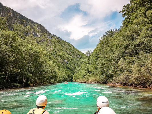Rafting Tara Canyon
