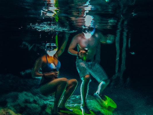 Klares Wasser in Bat Cave bei Dos Ojos