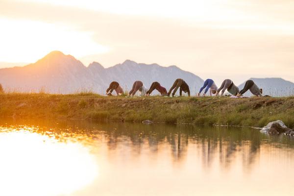 Sonnenaufgangs Yoga mit dem Base Camp Sports Corner im Falkensteiner Hotel Kärnten