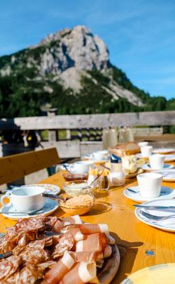 Almfrühstück mit Kärntener Spezialitäten