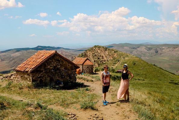 Grenzbweg bei Hoehlenkloster David Garedscha