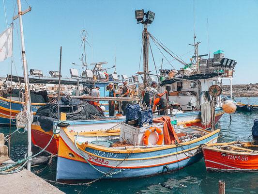 Schiff im Hafen von Vittoriosa