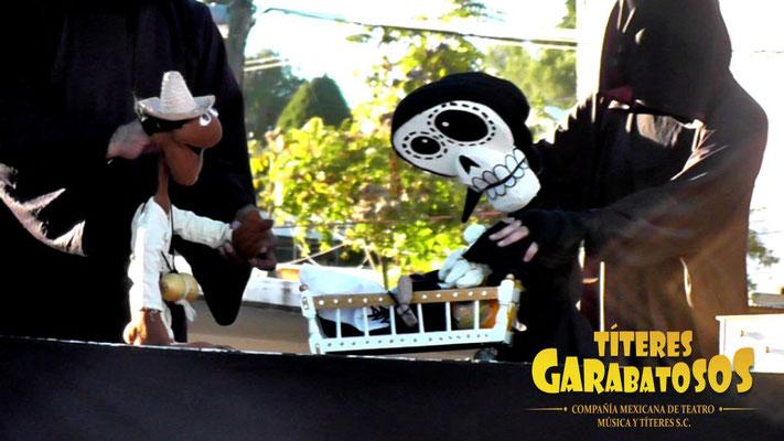 La Noche de Guajardo Calacas DIA DE MUERTOS Títeres Garabatosos