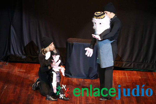 Januka , Ivy Rivas, Sandra Pablos & Titeres Garabatosos