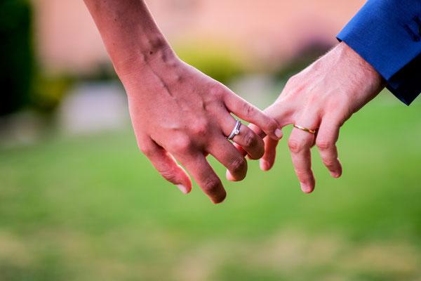 les-mains-photographe-mariage-france-occitanie-aveyron