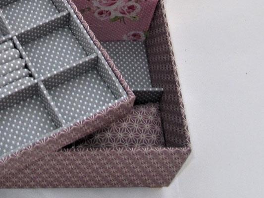 handgemachte Schmuckbox mit Armband-, Uhrenkissen