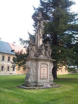 Am Prämonstratenser-Kloster Tepl