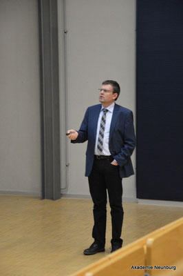 Prof. Dr. Mario Mocker