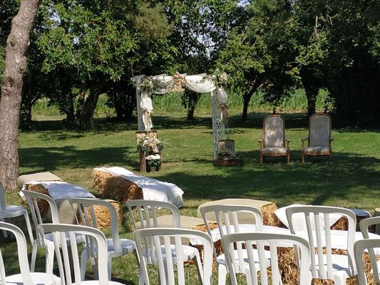 Cérémonie laïque de mariage, dans le jardin