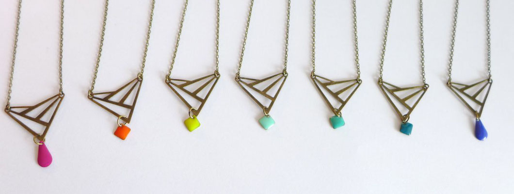 Collier Art Déco Triangle Graphique