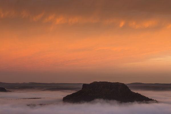 Pfaffenstein bei Sonnenaufgang