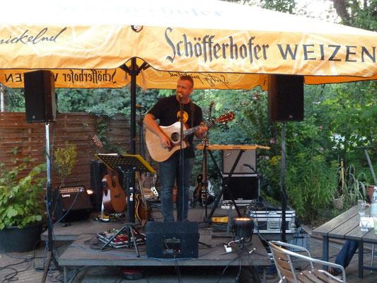 Nico Brettschneider Band, Schanz, Mühlheim/Main, 16.08.2013 - Frank solo im Vorprogramm