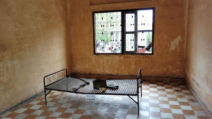 Hier wurden sie an den Beinen angefesselt und gefoltert
