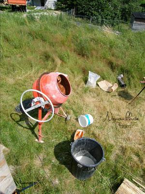 04/2010 - Préparation du mélange à la bétonnière.