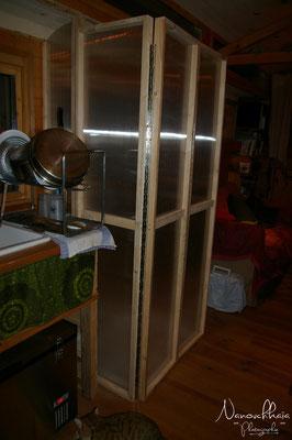 02/2011 - Création d'une cabine de douche escamotable. Position fermée.