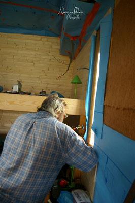 09/2009 - Installation de l'électricité avec Jean-Pierre.