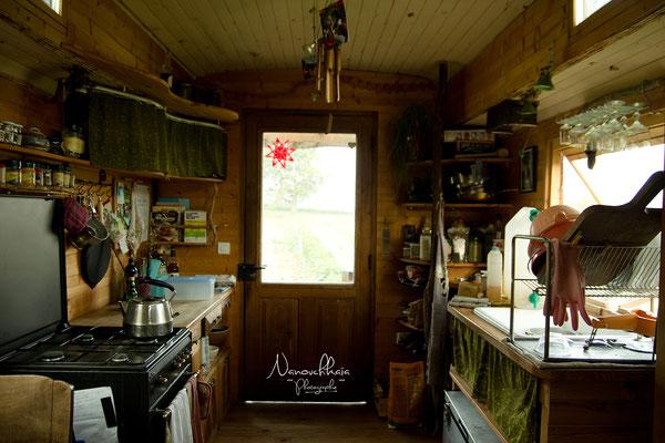 12/2012 - Vue d'ensemble à l'intérieur, travaux terminés, côté cuisine.