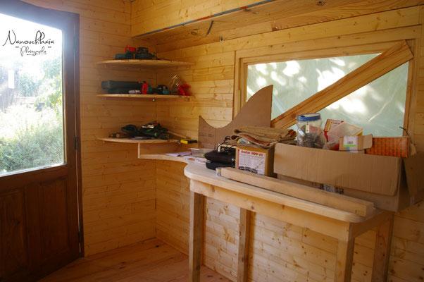 09/2009 - Création en face d'autres rangements et du plan de travail qui va accueillir l'évier.