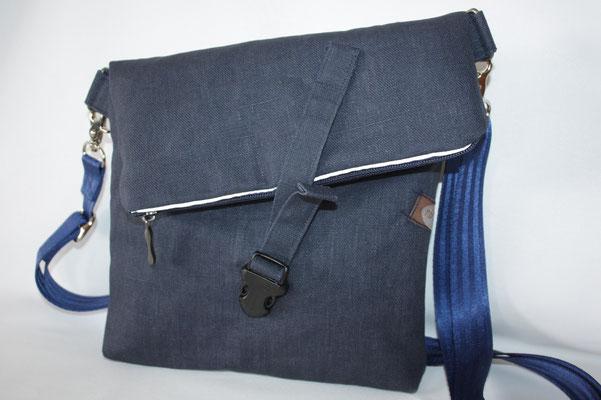dto. mit blauen Sicherheitsgurtband in 25 mm Breite