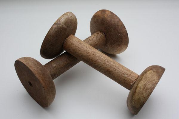 Holzspule von Madam Stoltz - 14 cm hoch (ca. 10 cm mittig), 7 cm DM - EUR 7,50/Stück .. AUSVERKAUFT