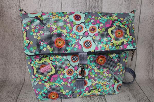 Umschlag mit Reißverschluss & KARABINER !! aus einem wunderschönen Blumen-Baumwoll-Stoff von Amy Butler :) UNBESCHICHTET !! verstärkt mit STYLE-VIL = weiche, aber sehr standfeste Vlies-Einlage