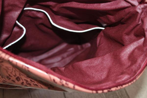 Innen mit besch. Baumwolle Beere ausgekleidet ... Einstecktaschen im Inneren