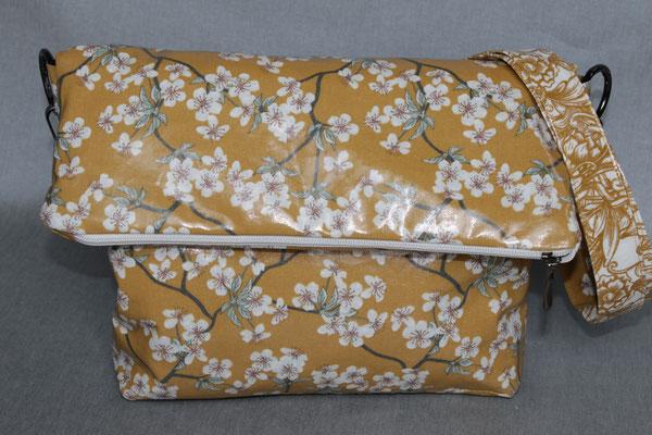 Klappentasche ANGIE :) .. aus besch. Baumwolle Kirschblüte mustard