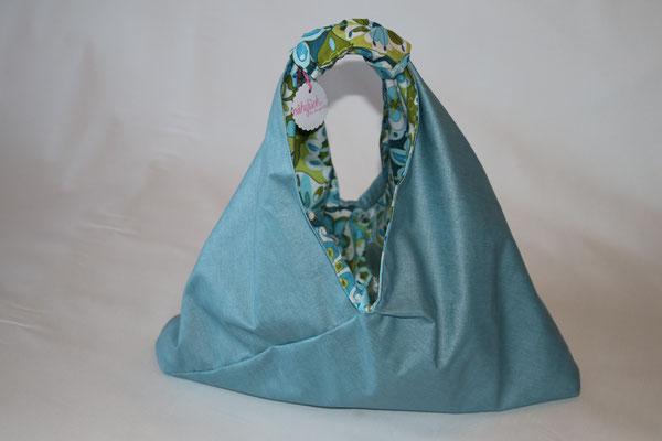 BEIDE Taschen sind auf der 2. Seite aus besch. Baumwolle Luisa in hell-/jeansblau gearbeitet