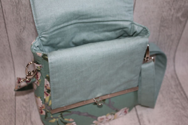 Innen mit besch. Baumwolle in mandelgrün/smaragd