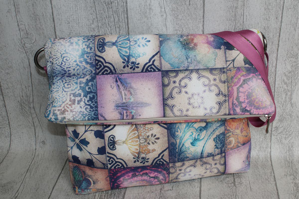 """Umschlagtasche aus einem Dekostoff namens """"NINA - 1001 Nacht"""""""