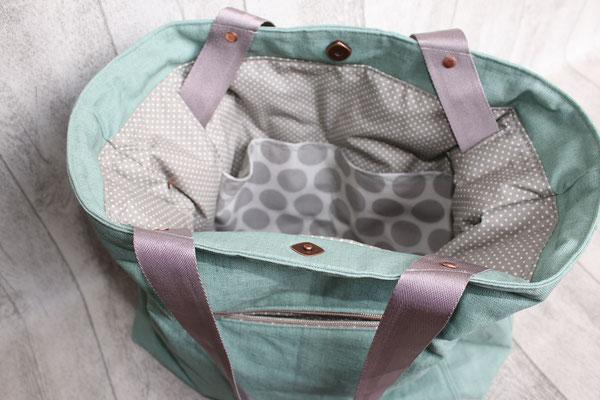 Innen mit besch. Baumwolle Pünktchen & Super dots in grau ausgekleidet - 2geteiltes Inneneinsteckfach