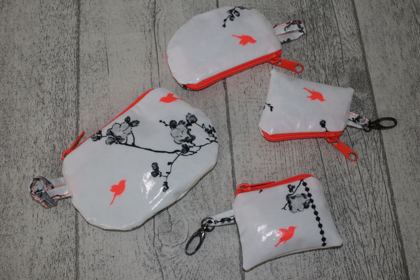 """div kl. Täschchen - besch. Baumwolle: Birdcage neon // """"runde Täschchen: ca. 10x9 cm + 9x6 cm"""