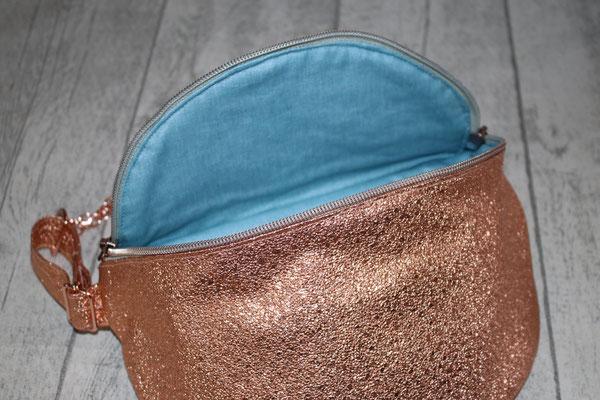 Innen mit besch. Baumwolle in jeansblau ausgekleidet