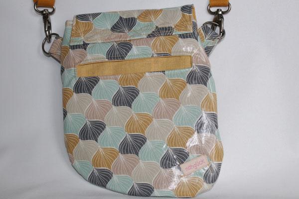 ... aber eine Tasche aus dem Stoff ALLI powder rose / ginger red wäre noch verfügbar :)