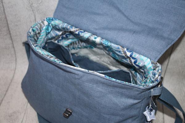 Innen mit besch. Baumwolle in grau/blau ausgekleidet