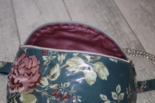 mit silber-farbenen Zubehör + Taschenkette