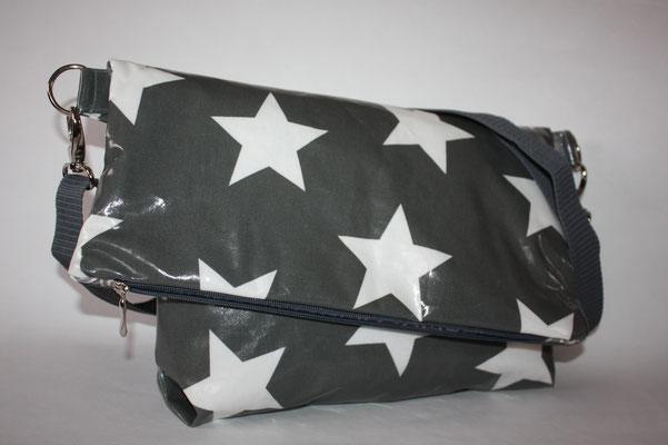 Umschlagtasche - besch. Baumwolle - Star Giant charcoal - Maße: ca. 24/27 cm + 14/19 cm Umschlag x 38 cm breit oben/ unten ca. 30 cm breit x 8 cm tief