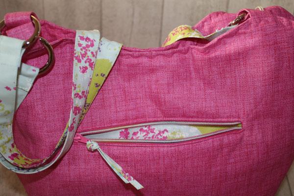 Reißverschluss-Tasche im Außenbereich
