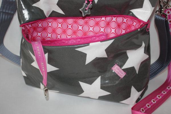 ... Vordere Reißverschluss-Tasche ausgekleidet mit LOUNGE pink/rosa (rot)... Schlüsselaufpasser & Co