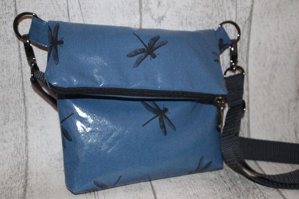 NOCH ZU HABEN - besch. Baumwolle Dragonfly blue - Maße: ca. 17/19 cm hoch + 7/9 cm Umschlag + 18/20 cm breit x 3 cm tief - 33