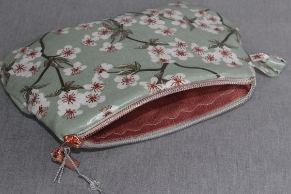 VERFÜGBAR besch. Baumwolle AU Maison: Amelie/ Kirschblüte - verte - Größe: ca. 15 cm breit oben - ca. 13 cm lang