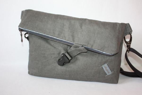 """Zubehör: altsilber + """"Gun-Metall"""" .. schwarzer Steckverschluss ... 25er Sicherheitsgurtband in schwarz"""