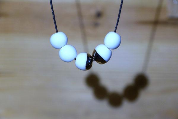 perles en porcelaine 1cm&platine (atelier)