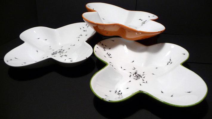 """Plat en forme de fleur """"Bousculade de fourmis"""" (atelier)"""