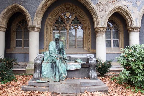 Dichter- und Denkeridylle in Budapest
