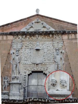 Meridá - Yucatán, Mexiko - Ihr seht den Gründer der Stadt, Francisco de Montejo, der seinen Untergebenen recht deutlich zeigt, was deren Stand ist. Auwei, guuut, dass wir da nicht gelebt haben.