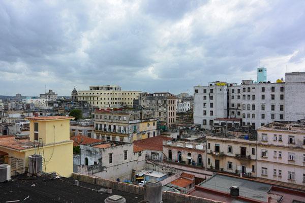 Blick vom Dach des Hotels Ambos Mundos, in dem Ernest Hemingway gewohnt hat